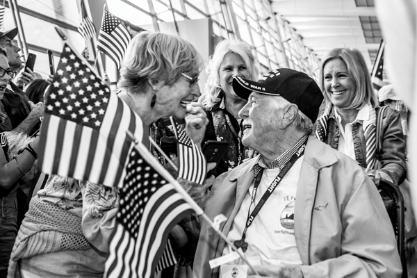 Honor Flight San Diego arrives to a hero's welcome (May 5th)