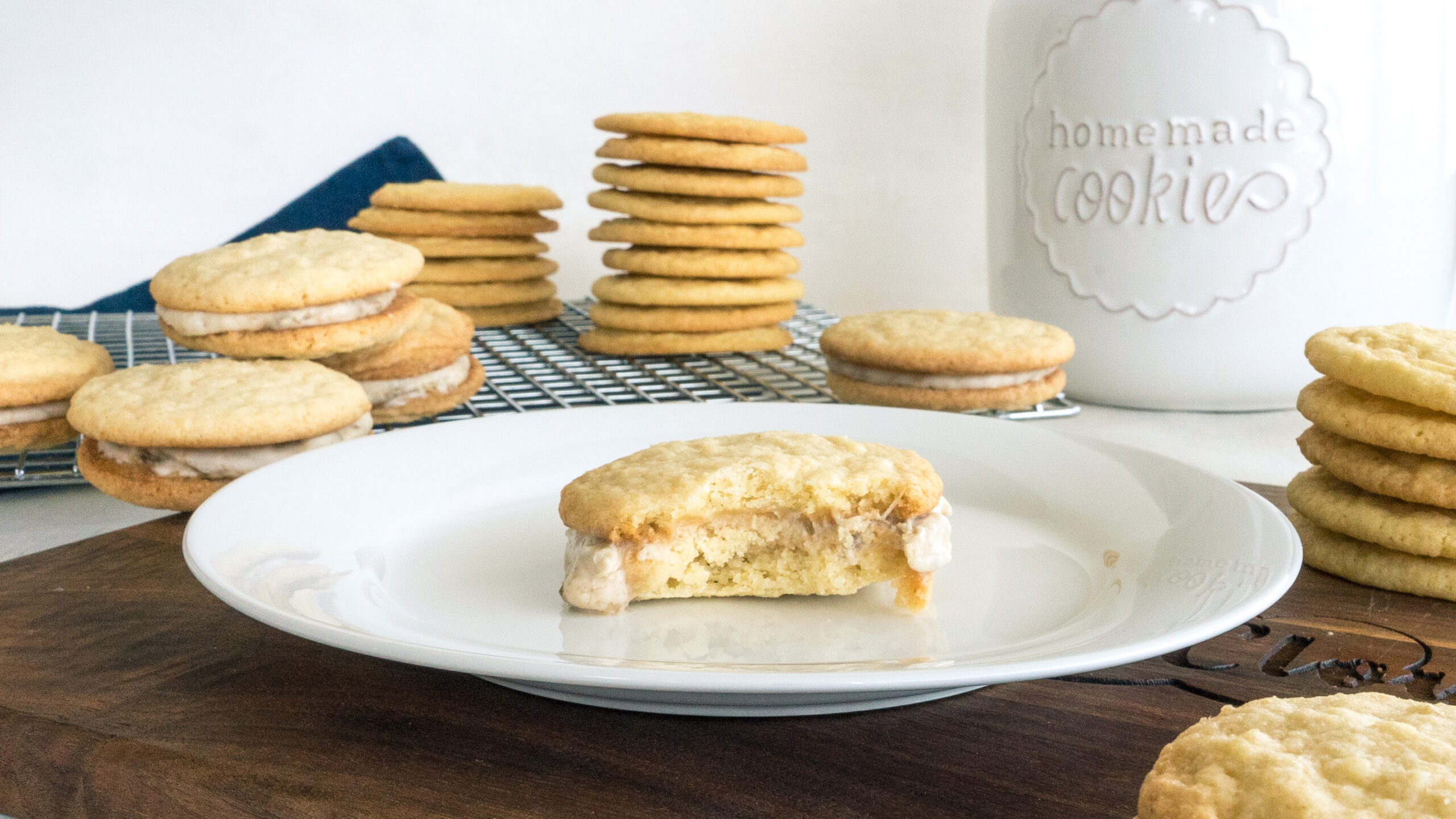 Banana Cream Cookie Sandwiches || Life Above the Clouds