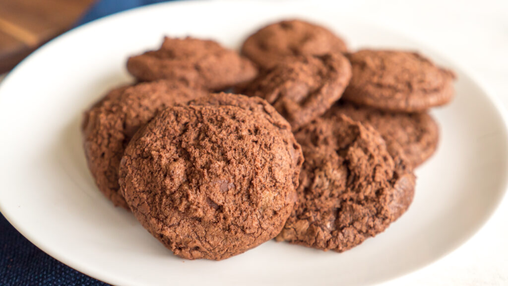 Dark Chocolate Espresso Cookies || Life Above the Clouds
