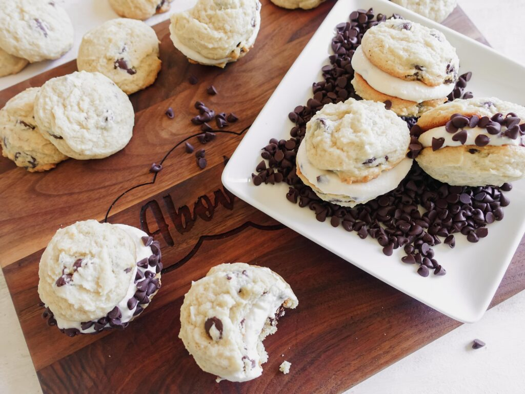Cannoli Sandwich Cookies || Life Above the Clouds