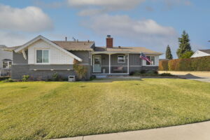 3-web-or-mls-10311 Lindesmith_Whittier_28