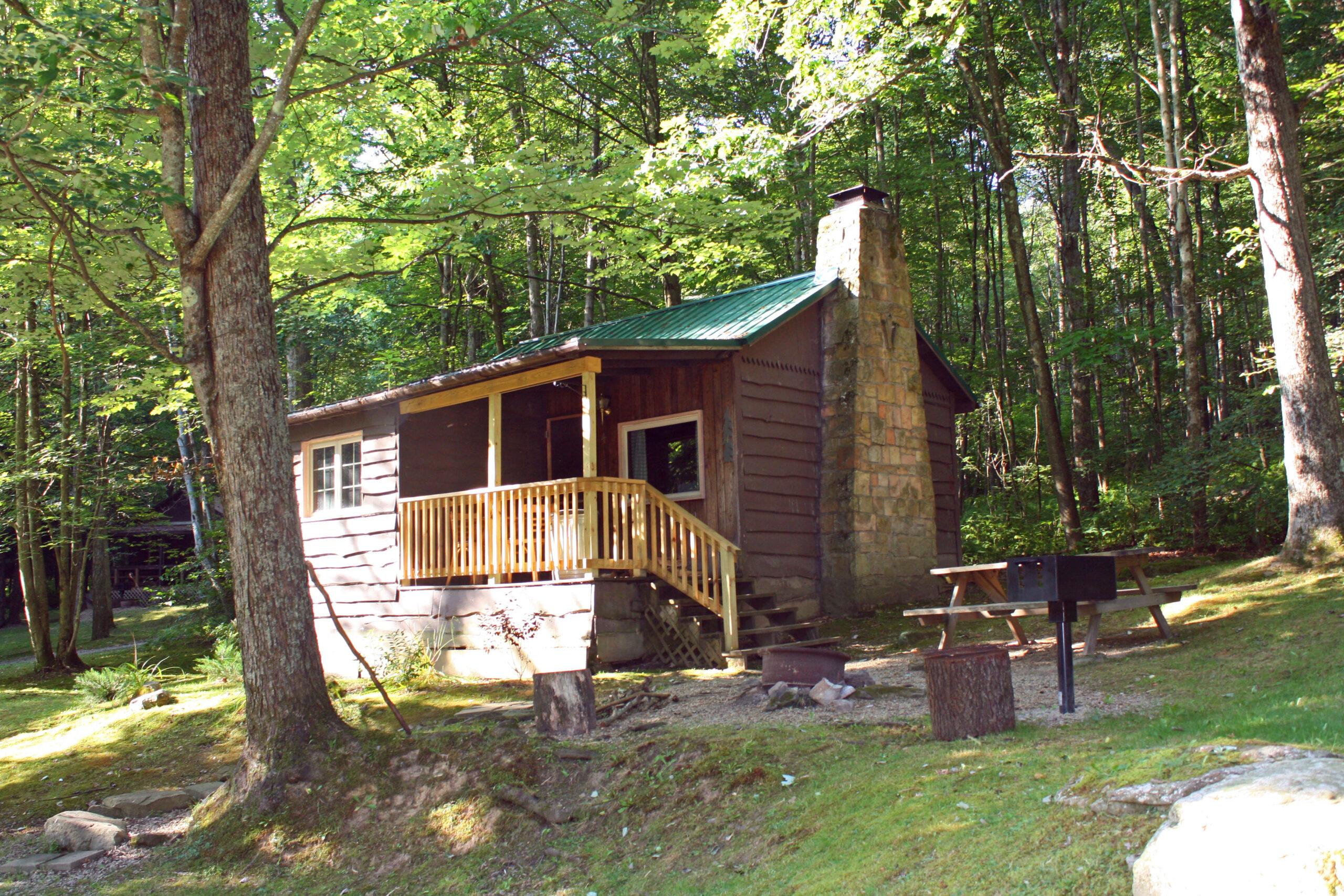 Whispering Oaks Cabin 4