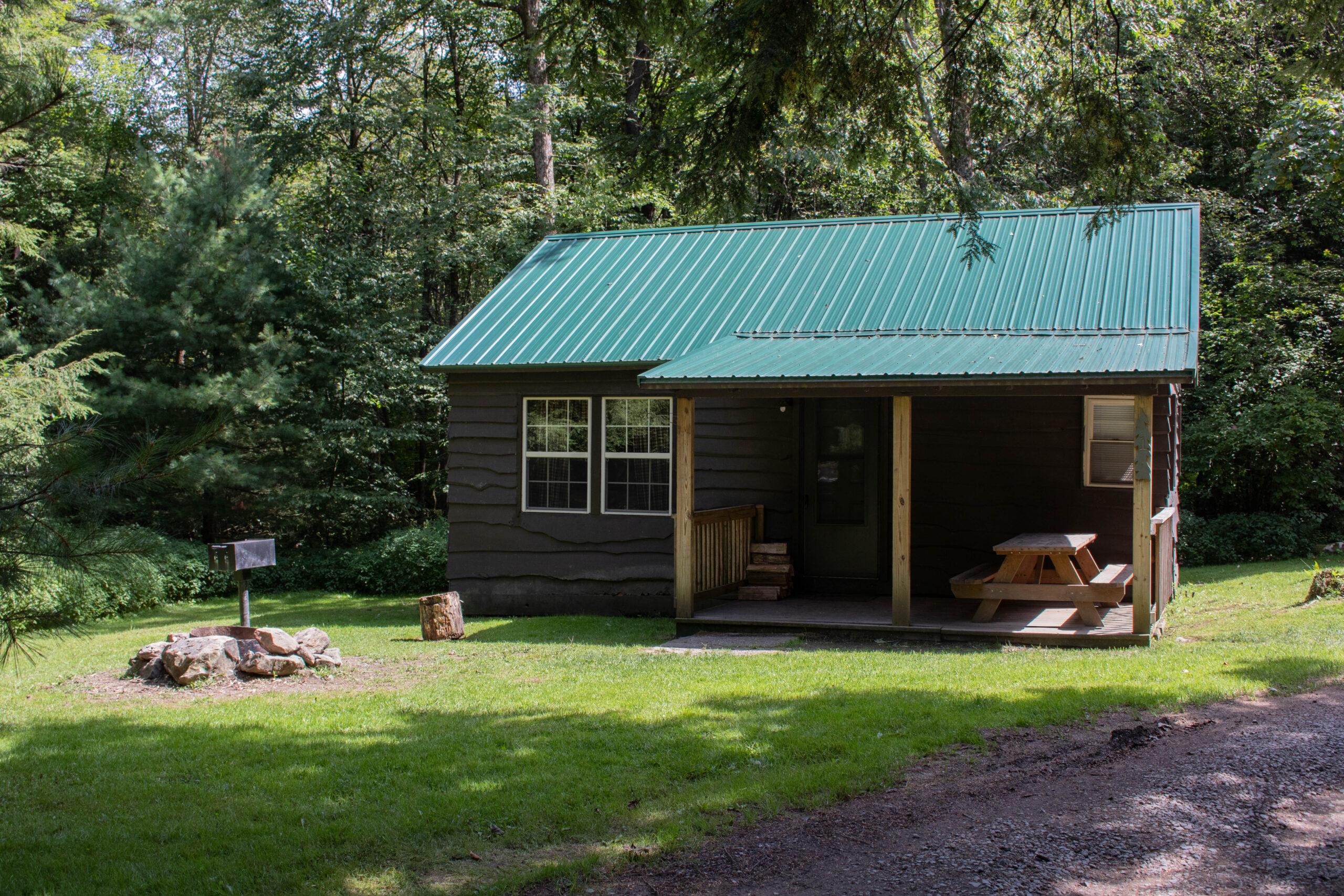Whispering Oaks Cabin 1
