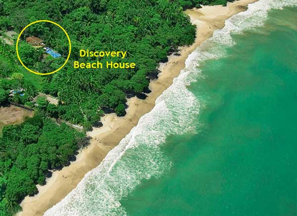 Imagine being steps away from the beach just outside your Costa Rica beach house.