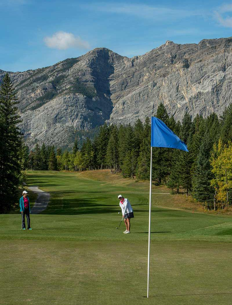 Brewster's Golf, Kananaskis Ranch - Chipping on to the green
