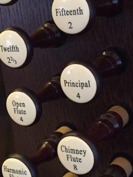 Organ pipes individually labeled