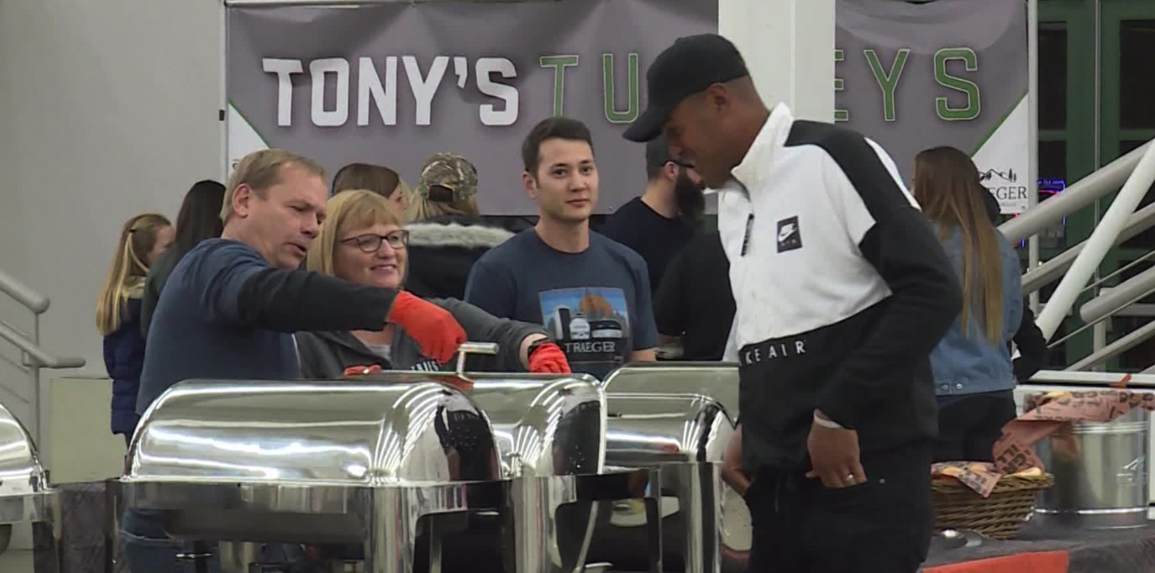 Tony Finau donates 1K turkeys to help Rose Park families have happy Thanksgiving