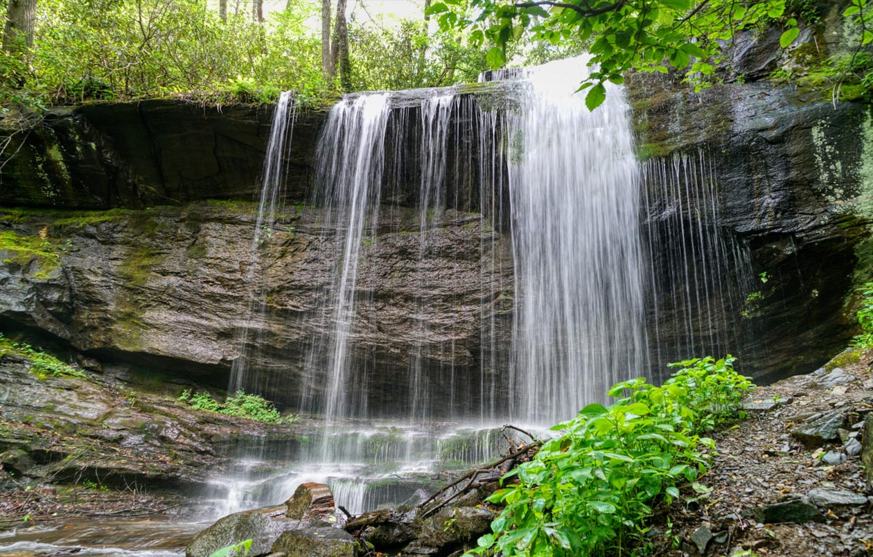 Best Waterfalls in Pisgah National Forest