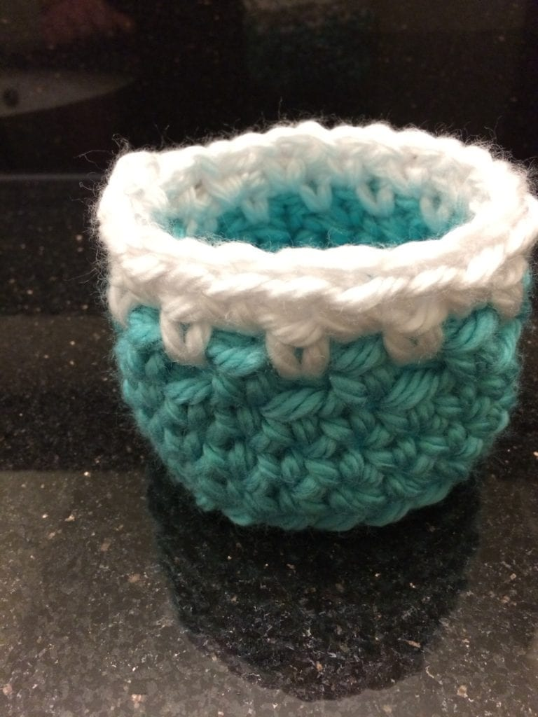 Small crochet basket with spike stitch