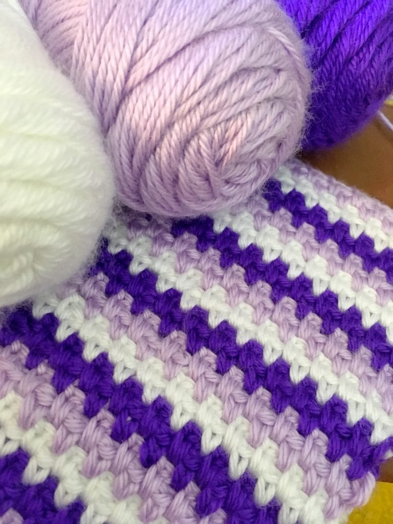 moss stitch baby blanket close up