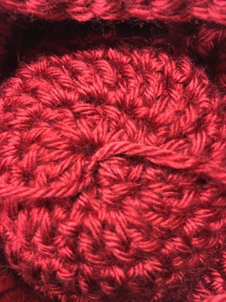 Tie yarn pieces together