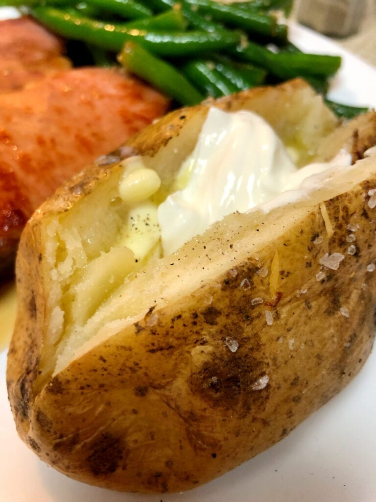 Easy Baked Potatoes in the Oven