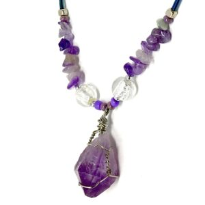 purple crystal neckless