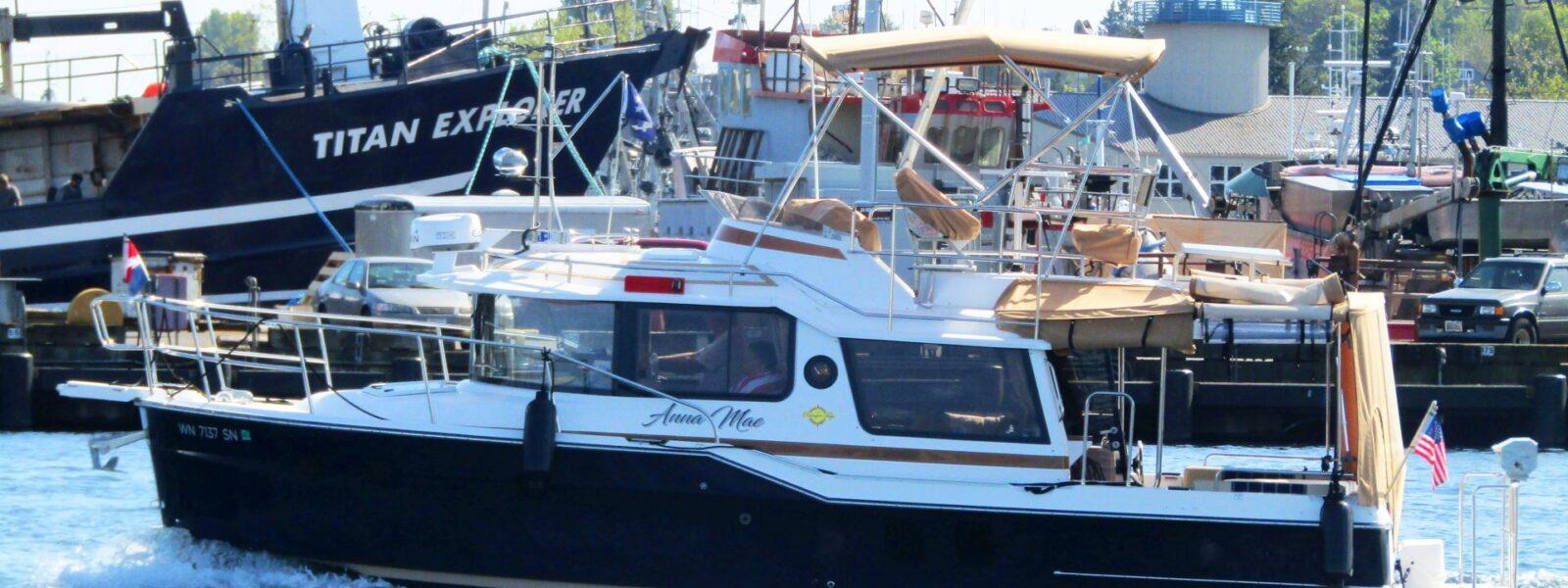 Seattle Easter Boat Parade, Powerboats, Delta Marine, Pacific Fishermen Shipyard, SBMC, Ballard Oil, Ship Canal, Seattle Marine Traffic Underway, Salty Dog Boating