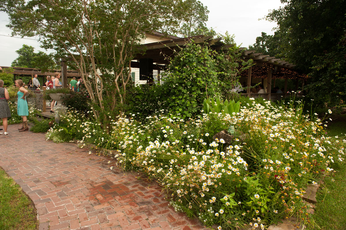 college station garden reception wedding venue