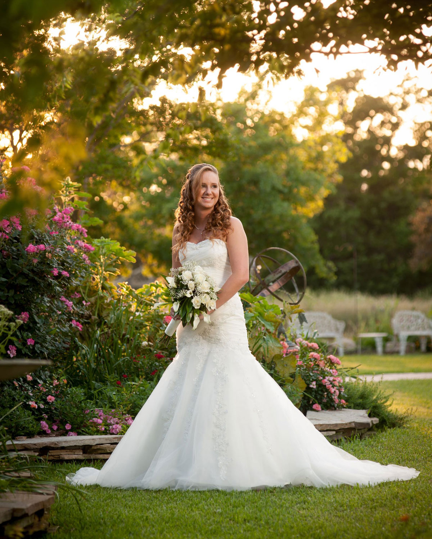 Beautiful Country Garden Wedding Receptions