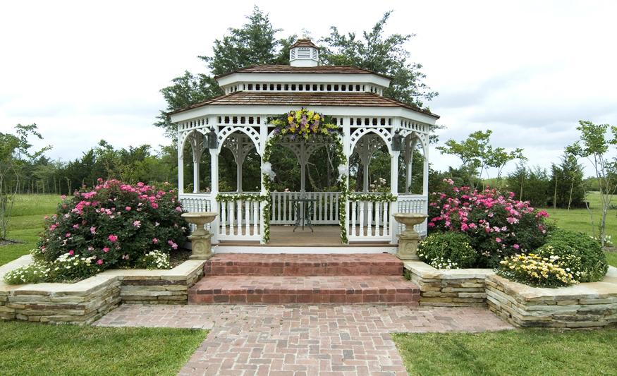 Romantic Bryan Outdoor Garden