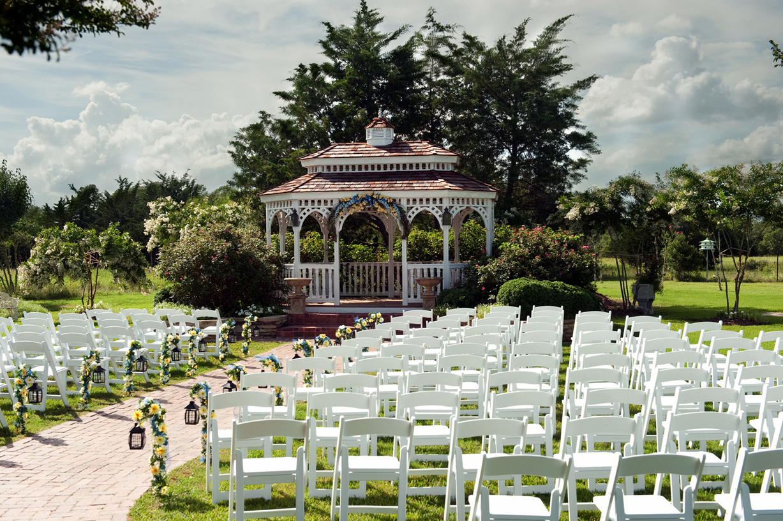 Gorgeous Texas Garden Ceremony Site