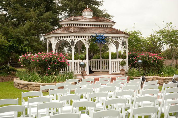 grounds-gazebo-2