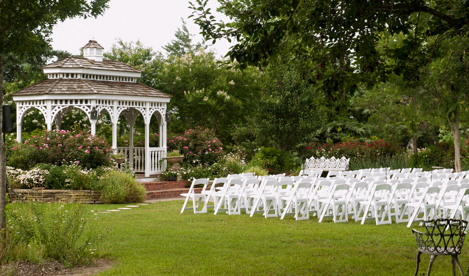 grounds-gazebo-5