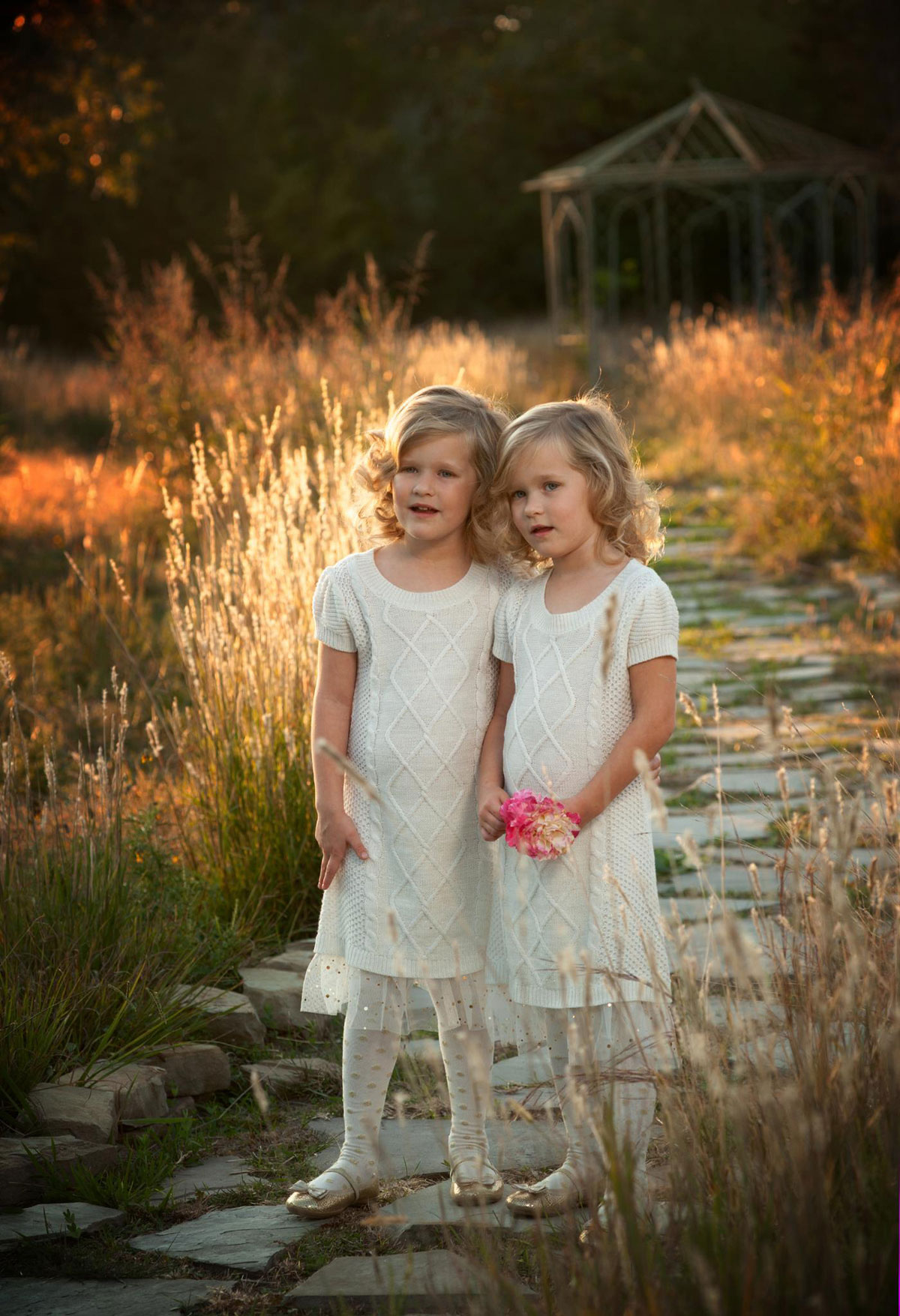 twin portrait outdoor ideas