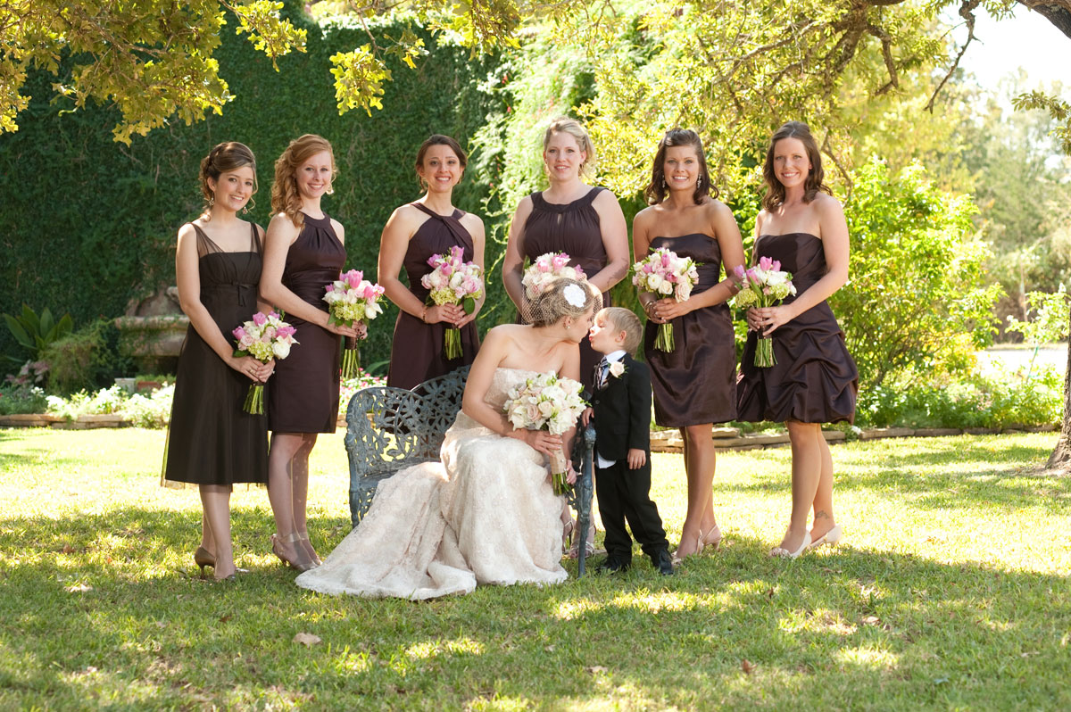 bridal party outdoor wedding photos