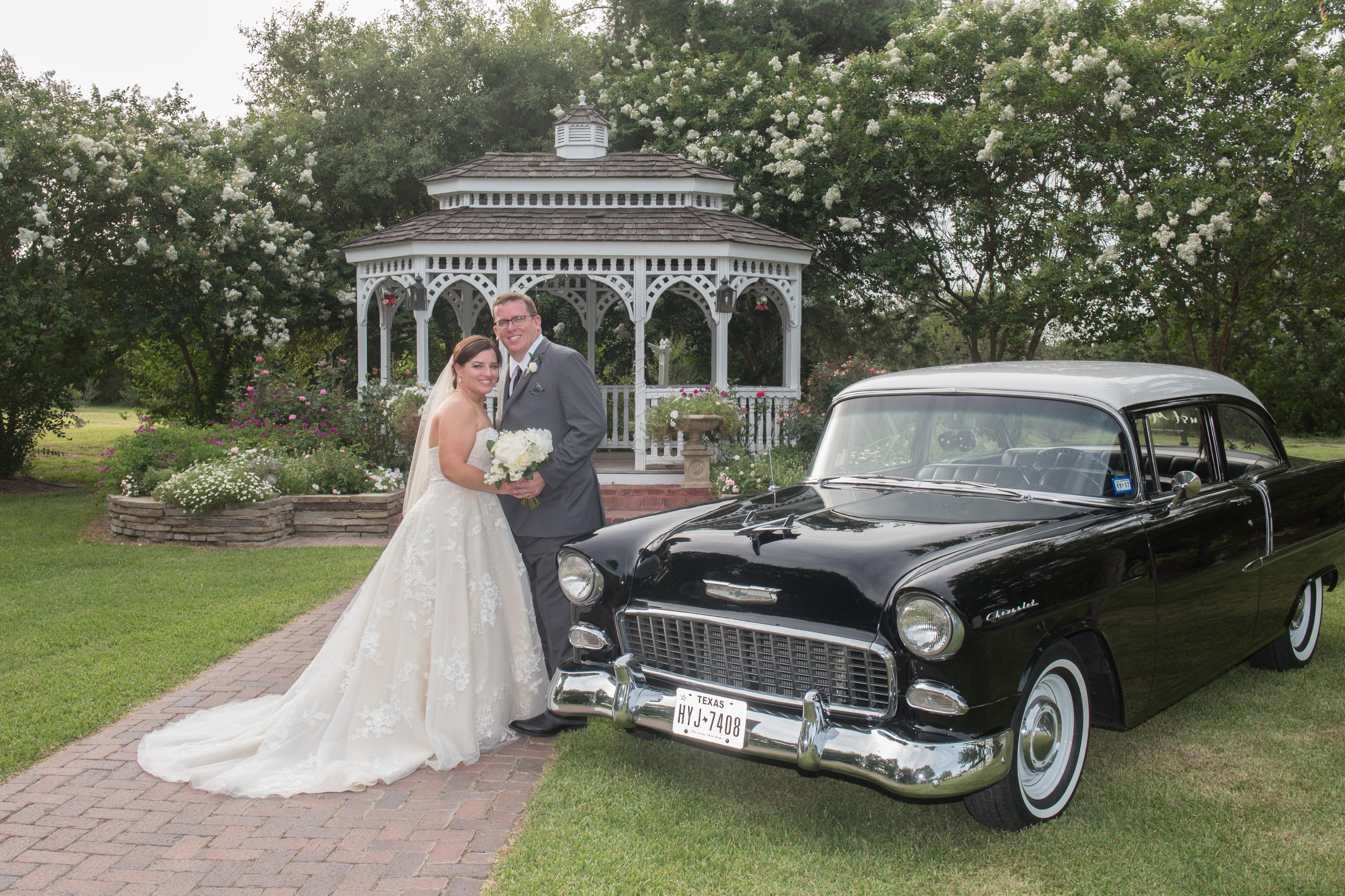 bride groom portraits vintage car