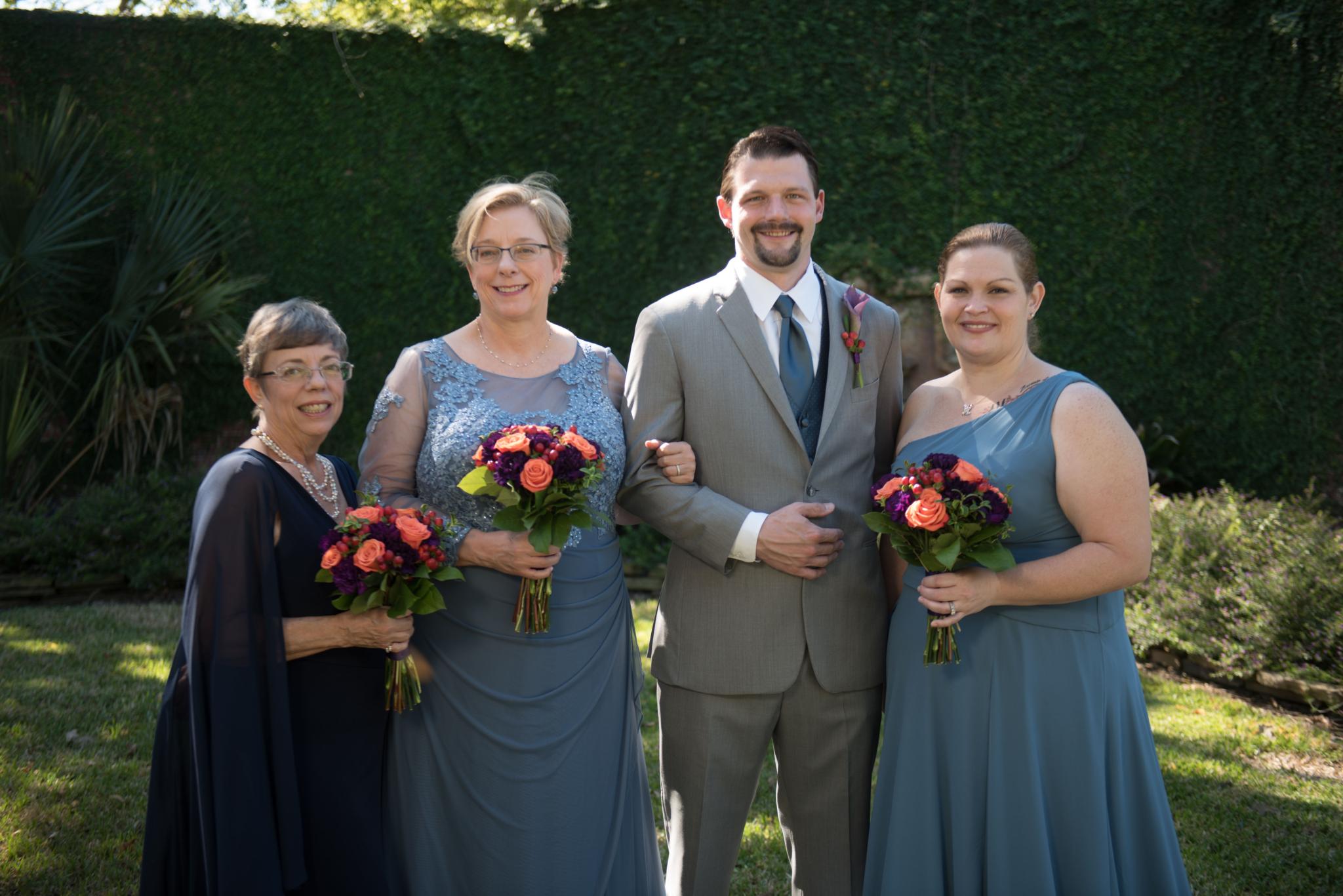 wedding family garden portrait