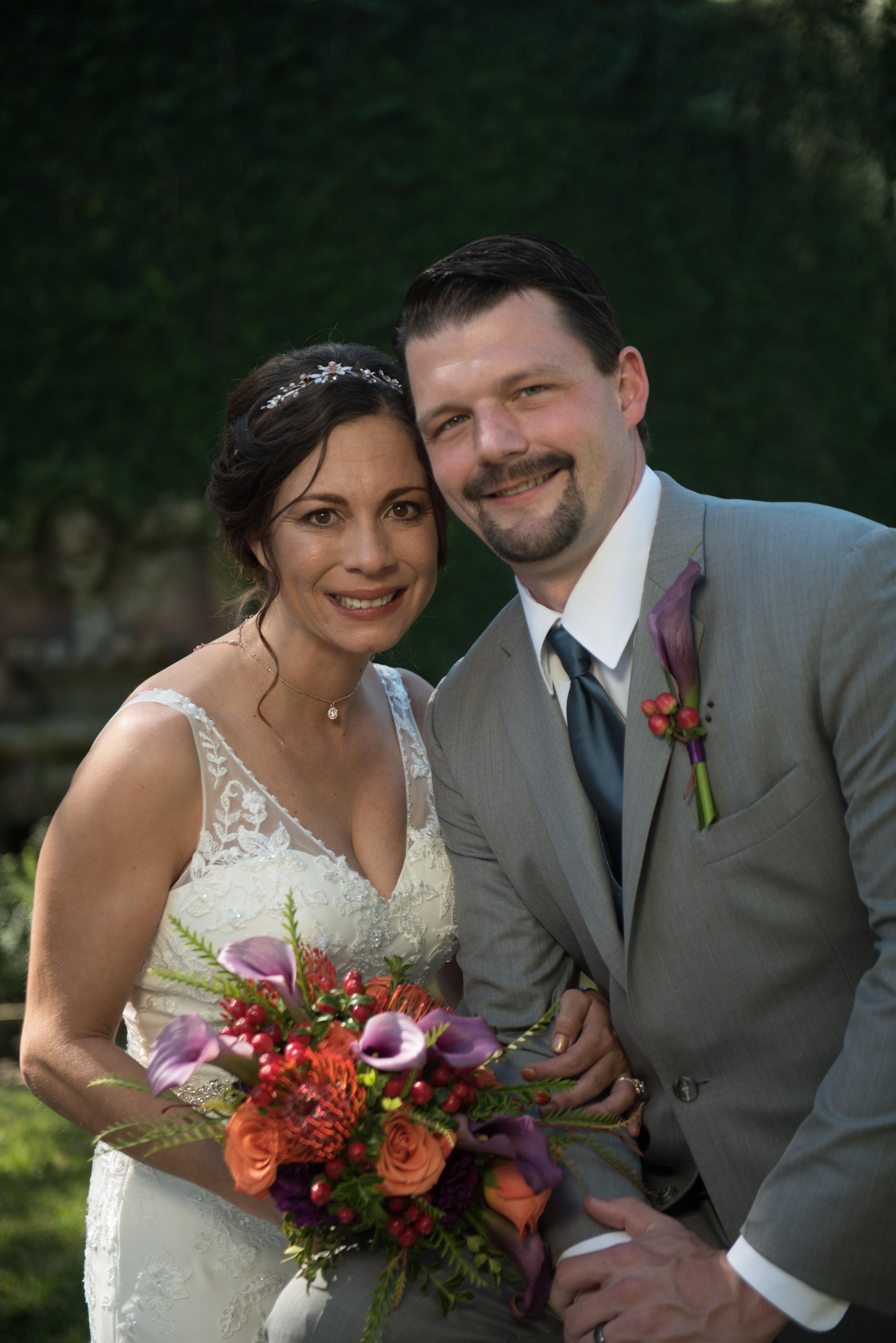 wedding day bride groom garden couple