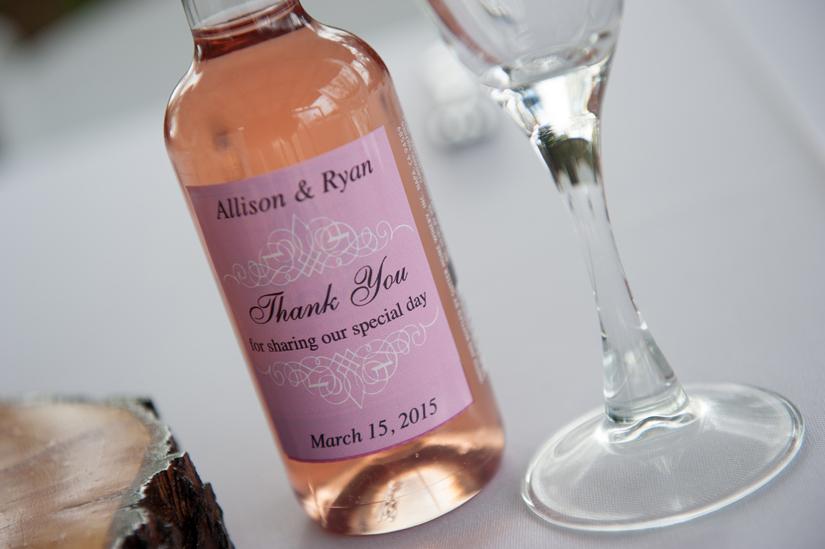guest gift idea wine