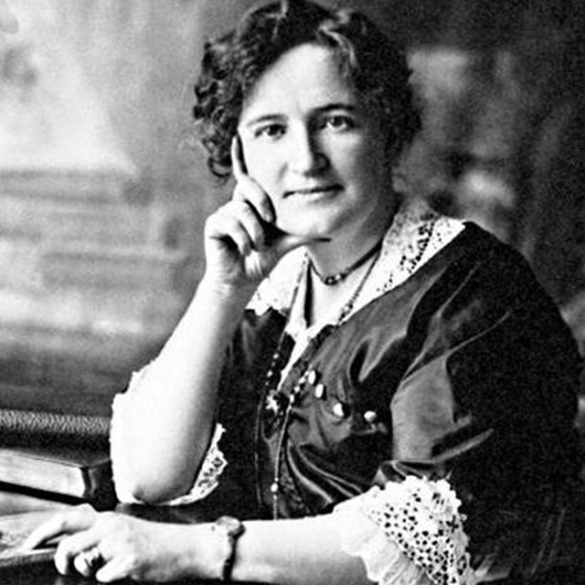 Nellie McClung, mock parliament, Manitoba Canada 1914