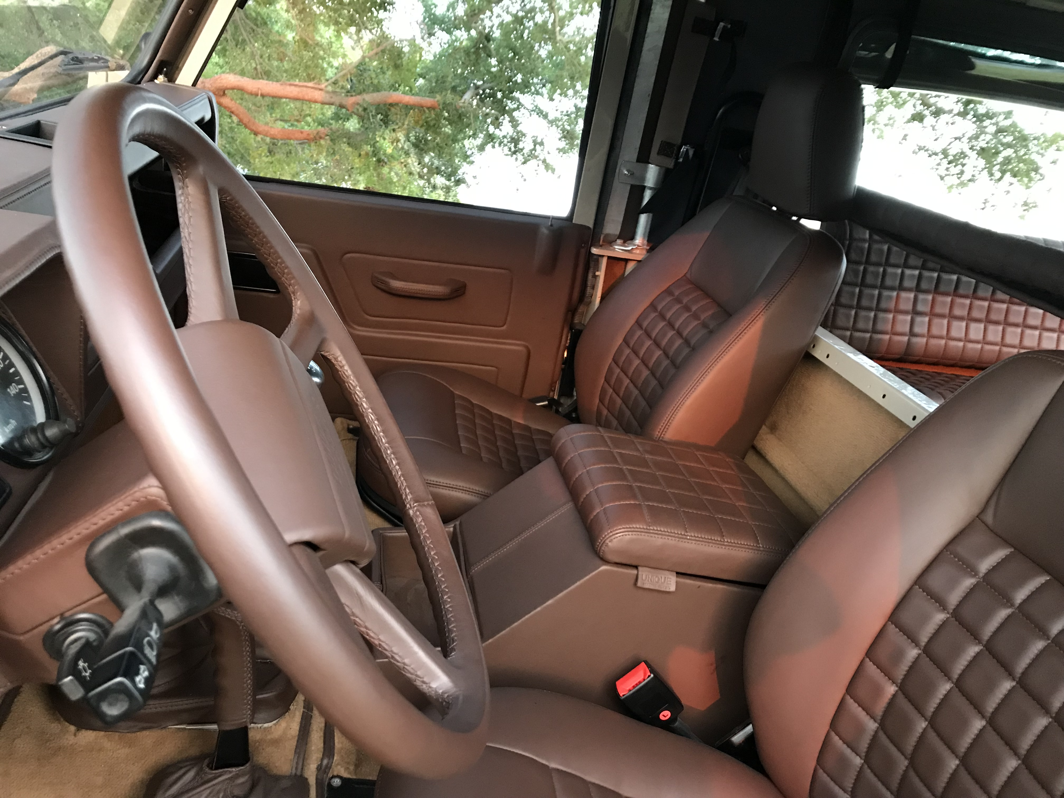 Land Rover Defender seats
