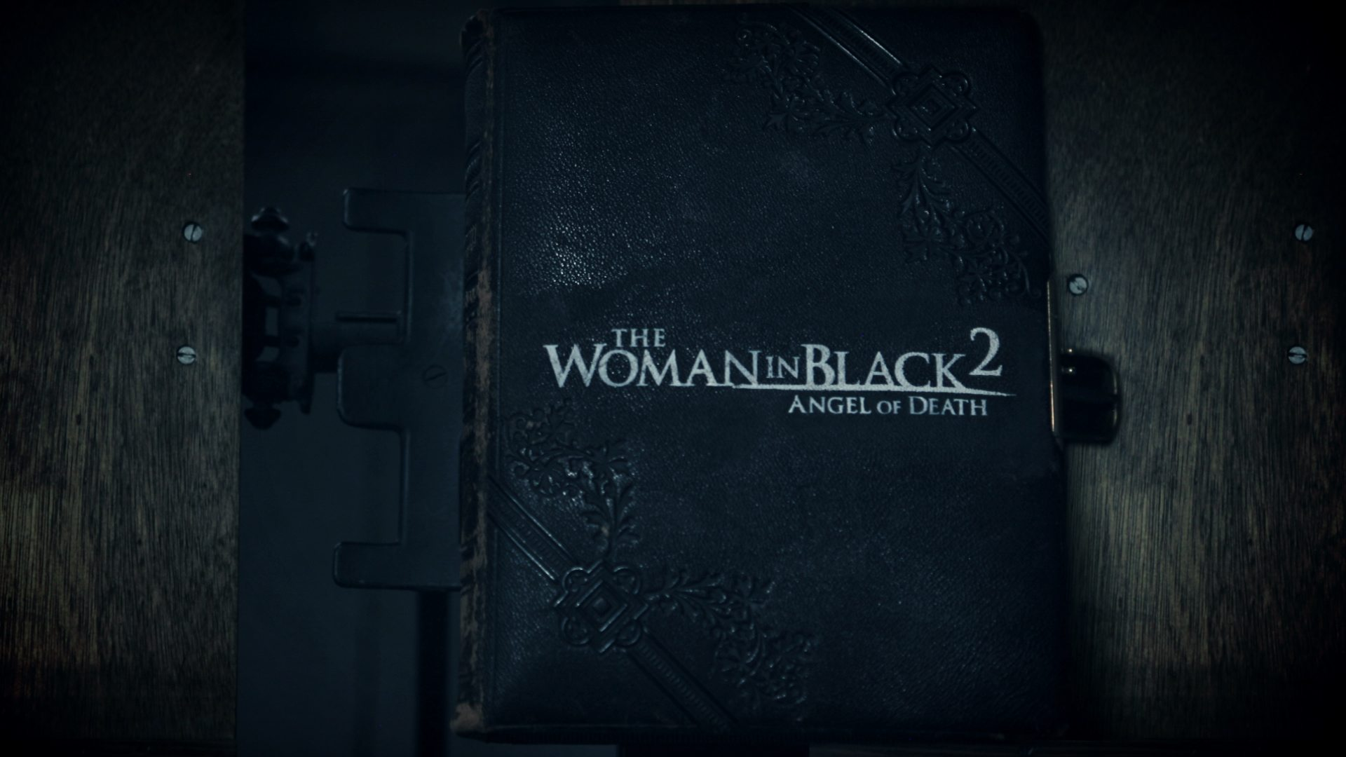 WomanInBlack_Still_02