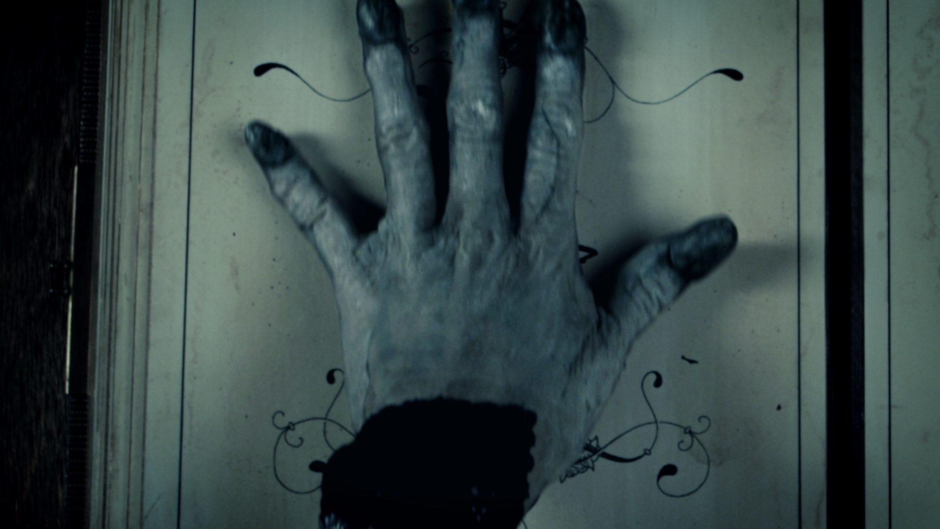 WomanInBlack_Still_07