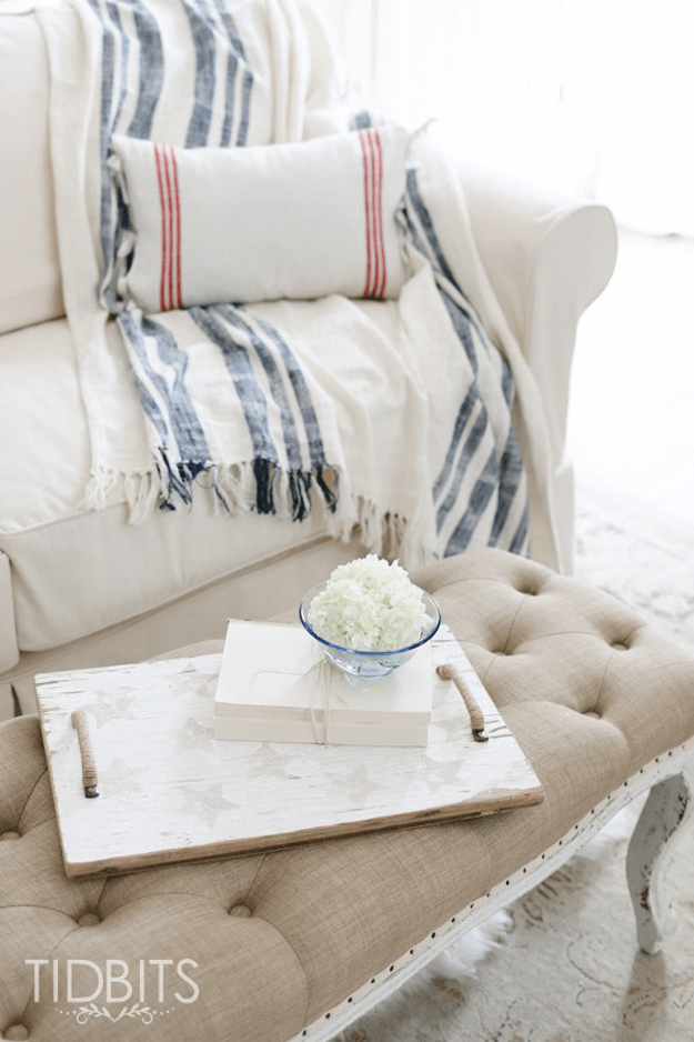 ivory living room with navy and red stripe accents