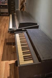 Esty Pump Organ, Rhodes 88