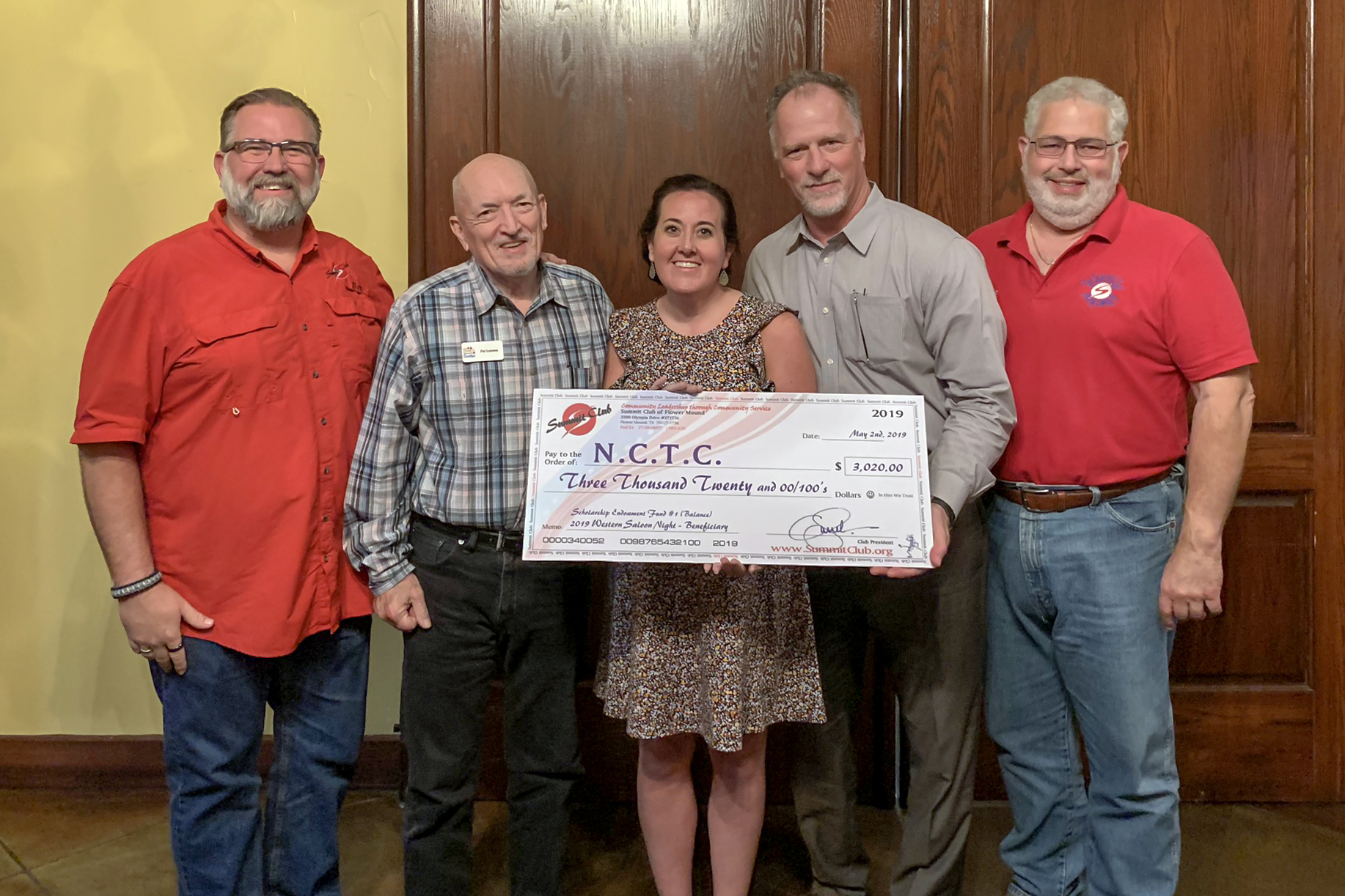 Summit Club Establishes Endowed Scholarship