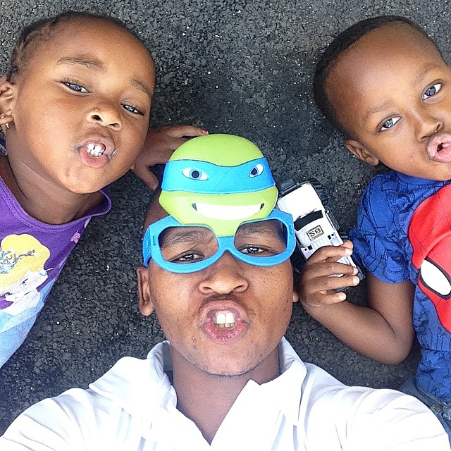 Photo of Brilliant Khuzwayo Proves To Be A Real Family Man!