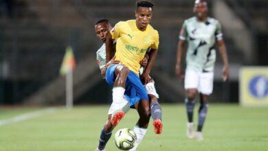 Photo of Themba Zwane Surprises Young Fan After Sundowns Masterclass