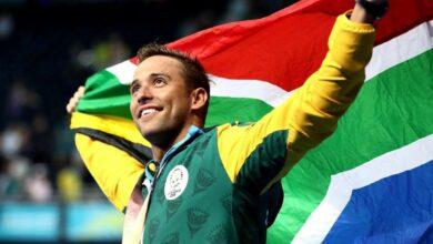 Photo of Golden Boy Chad Le Clos Raising SA Flag High At FINA World Cup