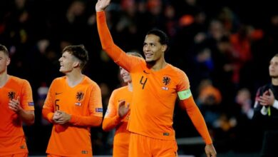 Photo of Virgil van Dijk provides insight on how he's adapting to a different way of life as he spoke about the importance coming together during the coronavirus outbreak