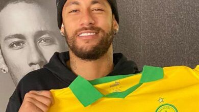 Photo of Neymar Adds Mamelodi Sundowns Shirt To His Collection!