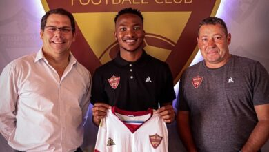 Photo of Stellenbosch F.C Sign Striker Solly Khunyedi!