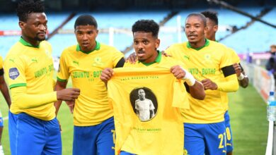 Photo of Mamelodi Sundowns & KRC Genk Pay Tribute to Anele Ngcongca!