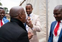 Photo of Tiyani Mabunda Supports the Bushiri's As They Receive Bail!