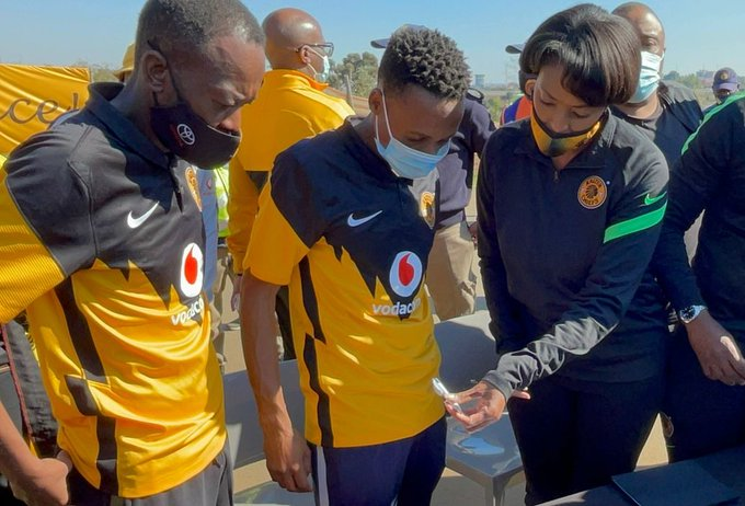 Jessica Motaung Intends To Co-Operate With Kaizer Chiefs Supporters!