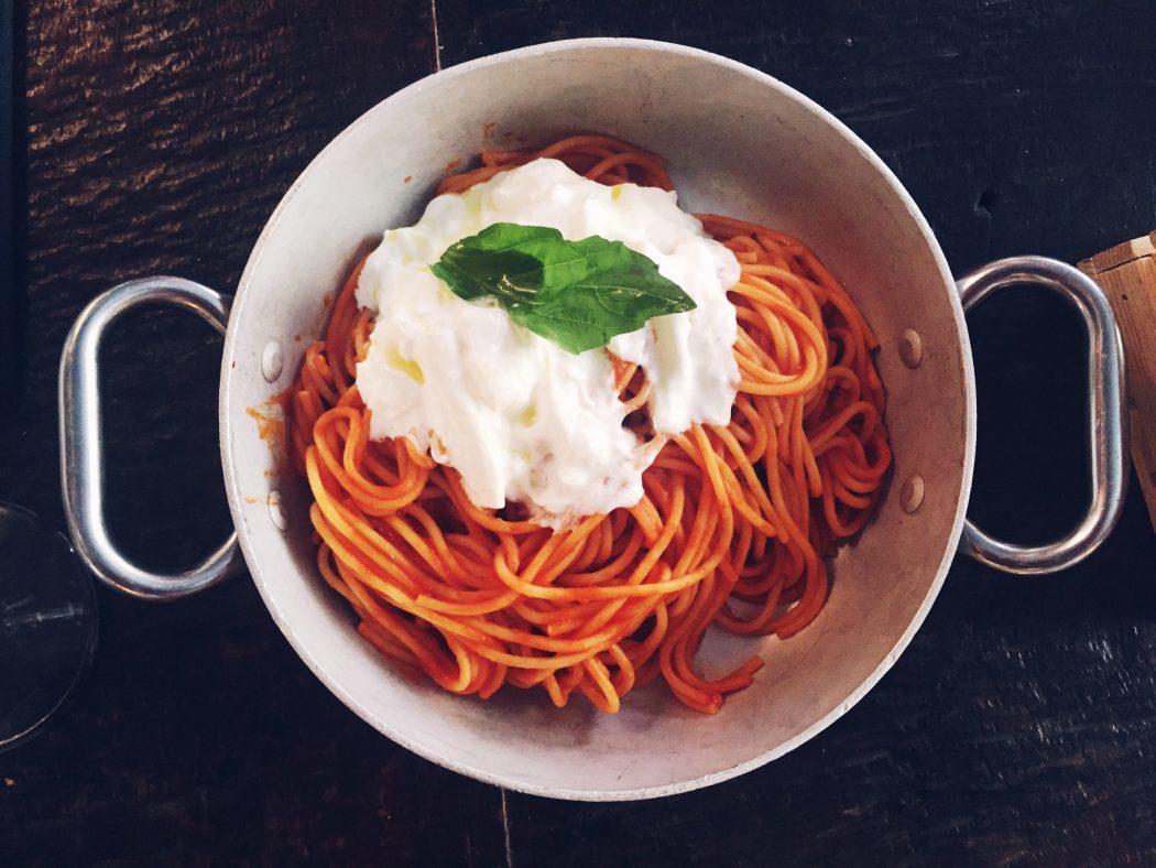 Spaghetti pomodoro with stracciatella at Anche restaurant in Milan