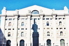 L.O.V.E. Maurizio Cattelan Milan
