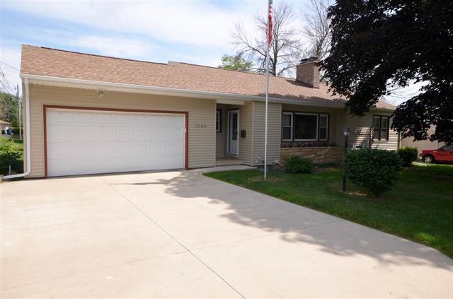 1208 Maynard Ave. Waterloo, Iowa | Home for Sale