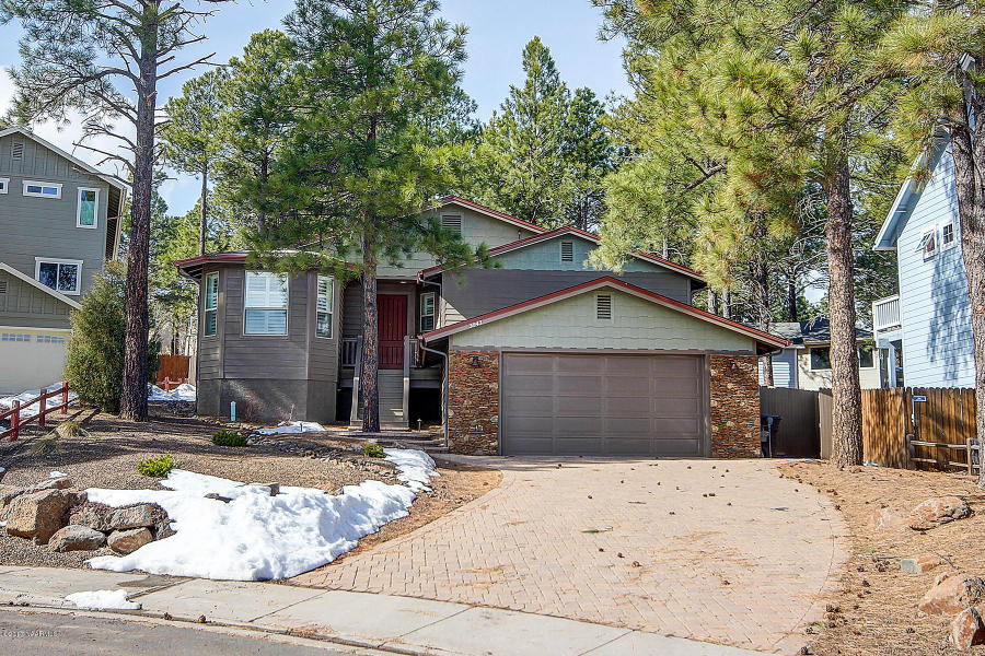 3843 S Wagon Trail – Sold!